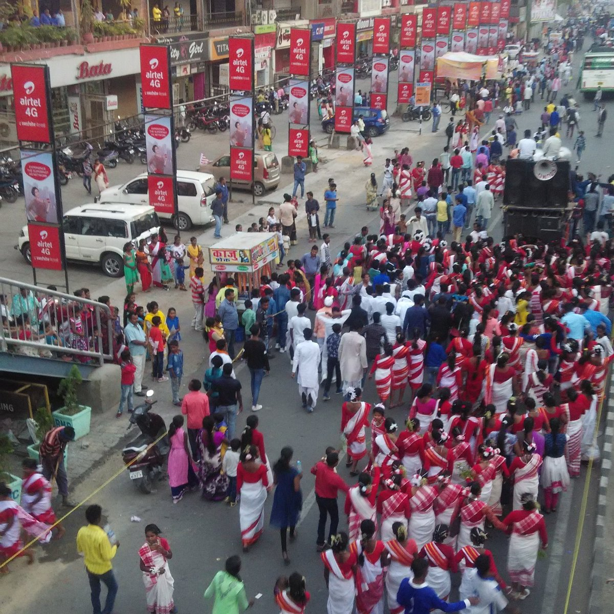 Sarhul procession on Main Road, Ranchi