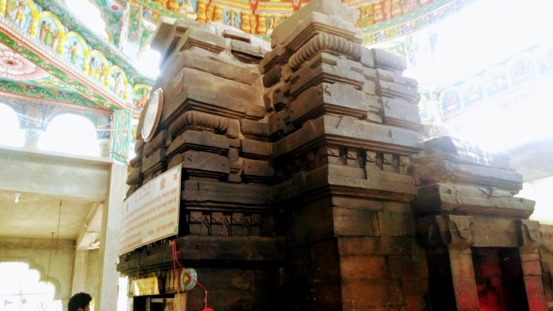 Ancient temple structure, Deori, Ranchi-Tata Highway (NH33), Jharkhand, India