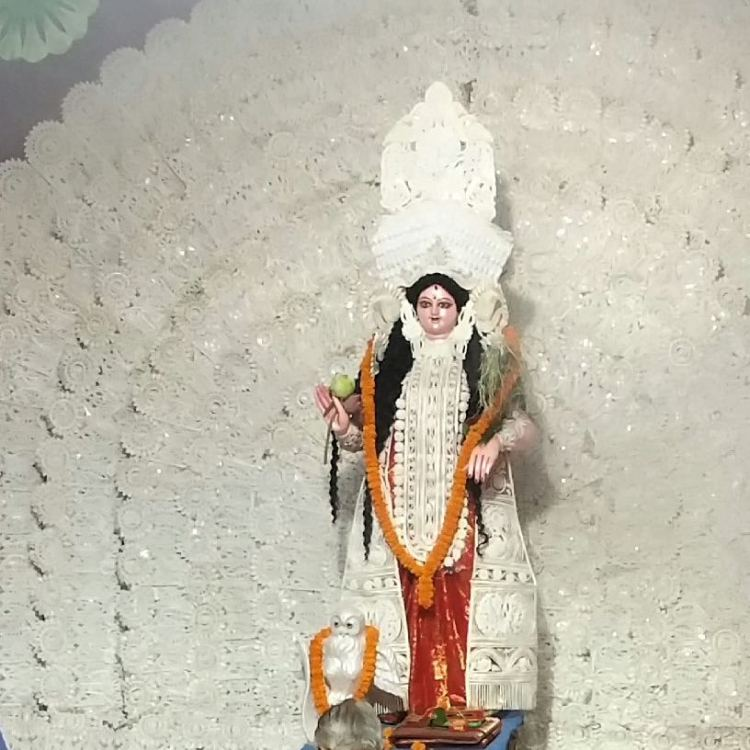 Idol of Goddess Lakshmi at the mandap of Maitraee Club, Doranda, Ranchi