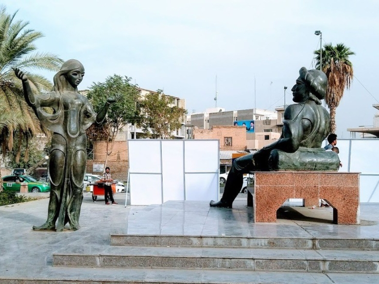 A statue of King Shahryar listening to his wife Scheherazade, Baghdad
