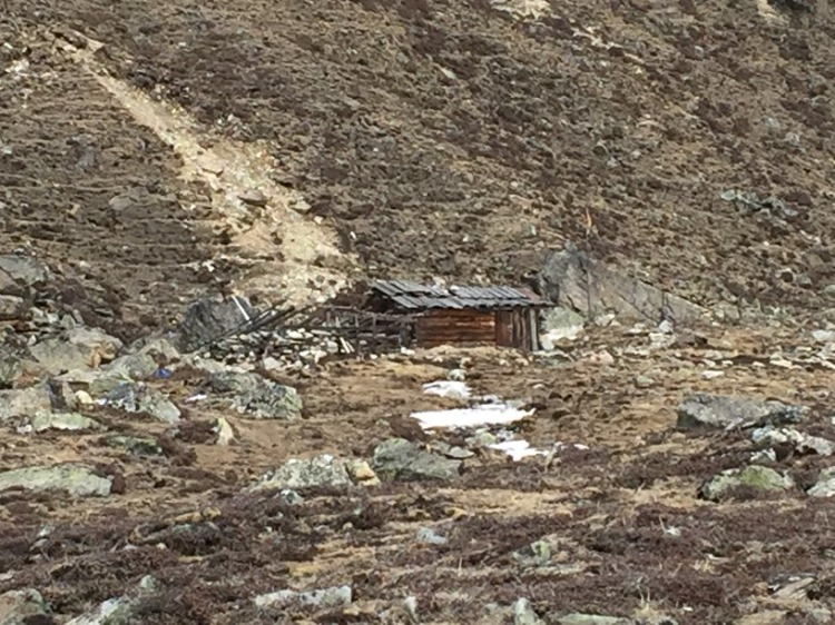 An abandoned, isolated hut at Zero Point