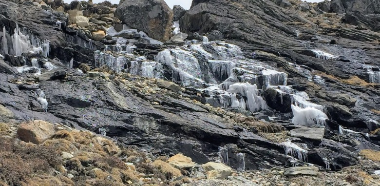 The place was so cold that even the mountain streams had frozen!