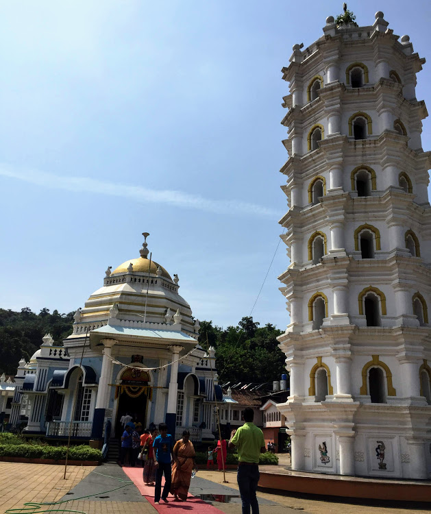 Shri Mangesh Temple and the Deepstambha