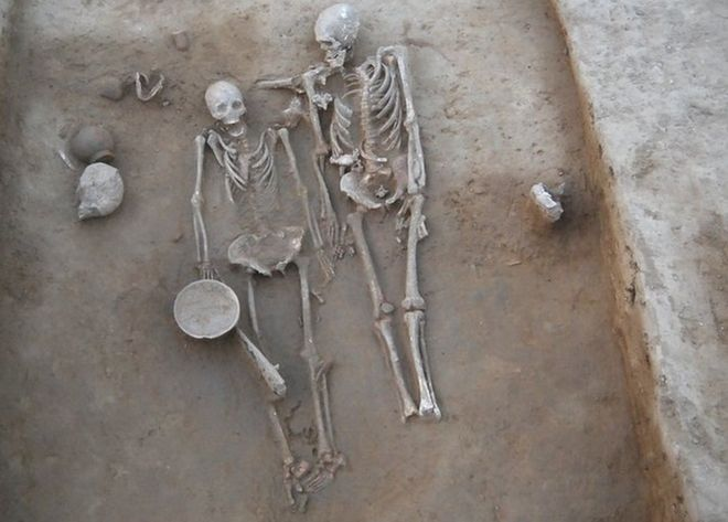 The skeleton of the couple (Source: BBC)